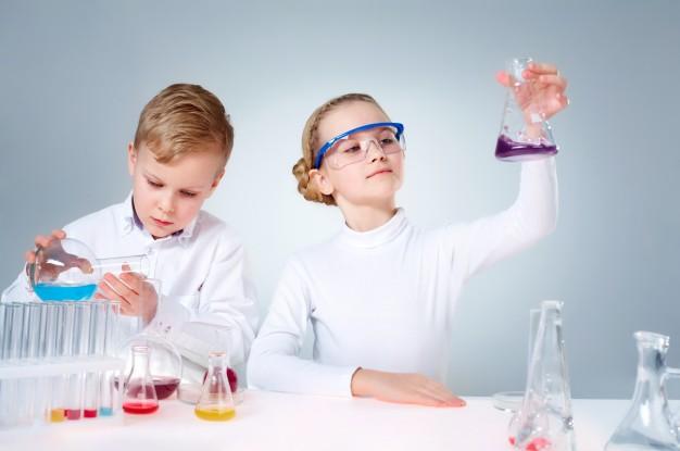 Expériences scientifiques enfant